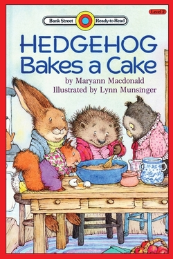 Hedgehog Bakes a Cake: Level 2 book