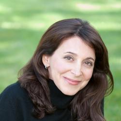 Samantha R Vamos